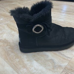 Black size 9 uggs